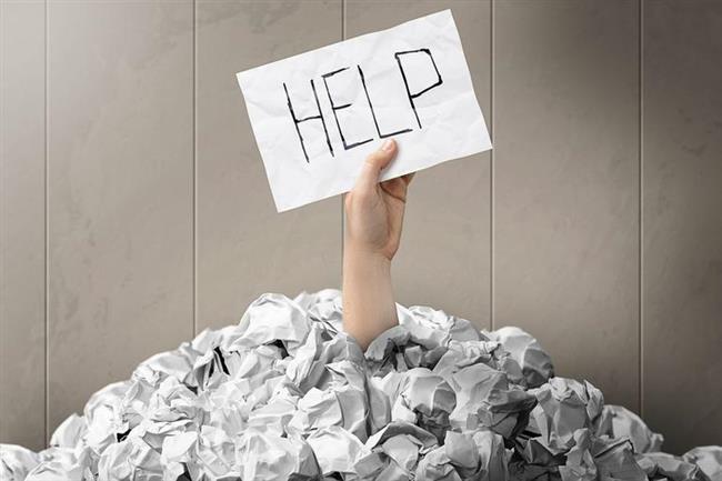 Ondan yardım isteyin ve yeteneklerine iltifat edin  Ne konuda yardım istediğinizin hiç ama hiç önemi yok. Flörtleşmek istediğiniz kişiden yardım istemek, flört bağının oluşmasını sağlar. Eğer karşıdaki insan da sizinle flörtleşmek istiyorsa, bu onu çok ama çok mutlu edecektir. Hele ki yardım istediğiniz şeyi kolaylıkla ve güzellikle yerine getirdiyse, sizden iyisi yok!