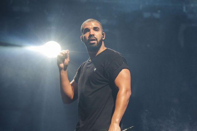 Tüm bunlara rağmen Drake, hem geçen senenin Top 5 listesinde yer alıp, hem de bu yılın yeni Top 5 listesinde de yer alan tek sanatçı olarak ismini yazdırdı.  1.Ed Sheeran  2.Drake  3. The Weeknd  4.Kendrick Lamar  5.The Chainsmokers