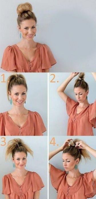 """Remin üst köşesinde gördüğünüz modeli yapmak için öncelikle saçınızı kafanızın üstünden at kuyruğu şeklinde toplayın. Topladığınız saçınızı tarak yardımıyla iyice kabartın. Aynı işlevi saçınızın ön kısmı için de uygulayın.  <a href= http://mahmure.hurriyet.com.tr/foto/guzellik/antiaging-makyaj-ve-puf-noktalari_42864 style=""""color:red; font:bold 11pt arial; text-decoration:none;""""  target=""""_blank""""> Antiaging Makyaj Ve Püf Noktaları"""