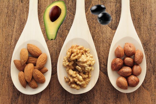 Fındık, badem, ceviz…  Avokado, fındık, badem, ceviz ve zeytin de yüksek omega 3 içerikleriyle beslenme listenizde mutlaka bulundurmanız gereken besinler arasında yer alıyor.