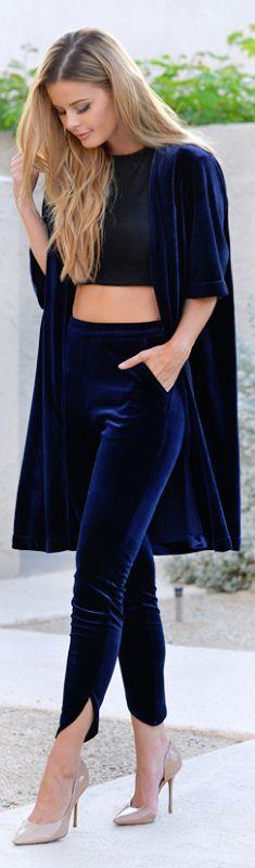 Pantolon  Pantolon şıklığını kadifelerle bütünleştirin. Kadife pantolonlar günün her saatine ve neredeyse her mekan için uygun bir parça olacaktır.