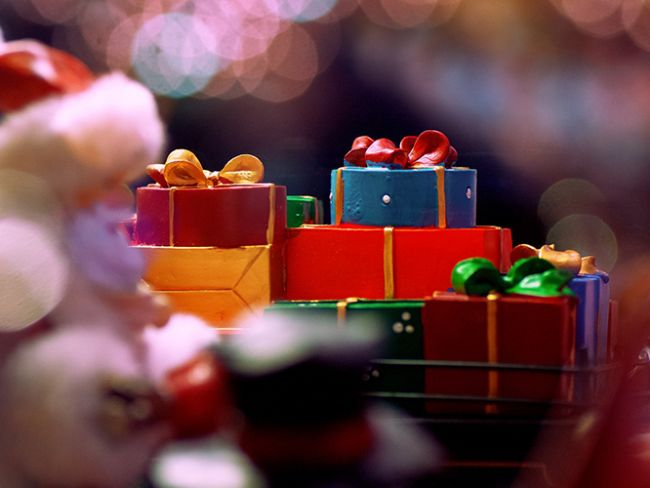 Arkadaş, aile, sevgili ve tüm sevdiklerimize yılbaşı için hediye arayışına gireriz. Sizler için bu arayışı kolaylaştırmak adına 20 maddelik bir hediye listesi çıkarttık. İşte listemiz...  Kaynak Fotoğraflar: Pinterst