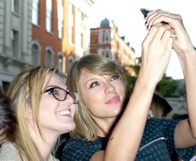 Ünlülerin En Meşhur Selfie'leri - 26