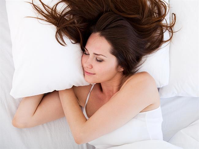 Son zamanlarda yapılan araştırmalar sonucunda uykuyu tam olarak alma sırrının günde 8 saat uyku olduğu söyleniyor. Bizde sizlerin en iyi şekilde dinlenebilmesi için uyku ipuçları hazırladık.  Kaynak Fotoğraflar: Pixabay