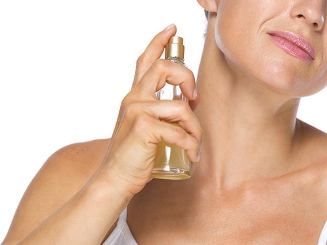 Parfümler, çoğu zaman stilimizin tamamlayıcıları olarak görev alırlar. Kendi tarzınızı çeşitli kokularla bütünleştirirken dikkat edilmesi gereken hususları sizler için bir araya getirdik.  Kaynak Fotoğraflar: Pixabay