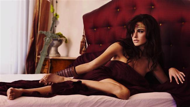 Uzun bacaklar, dolgun kalçalar, büyük gözler...  Yüzyıllardır çoğu erkek tarafından seksi bulunan bu kadınsal özelliklerin modası neden hiç geçmiyor dersiniz?