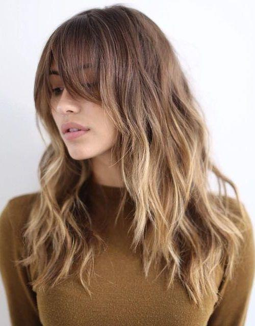 Alnı Geniş Kadınlar İçin Saç Modelleri - 4