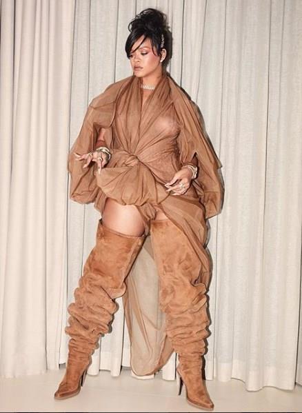 10 Adımda Rihanna Stili - 15