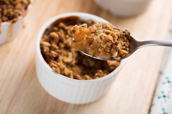 Diyabetlilere özel yemek ve tatlı tarifleri ile hem şekerden uzak durabilir hem de lezzetli bir yaşam sürebilirsiniz. Pratik ve kolay hazırlanan tariflerle tatlı ihtiyacınızı gidermenin yanında leziz yemeklerin tadına varmanız da mümkün.   İşte diyabet dostu pratik tarifler…  Kaynak: Hürriyet, Alamy