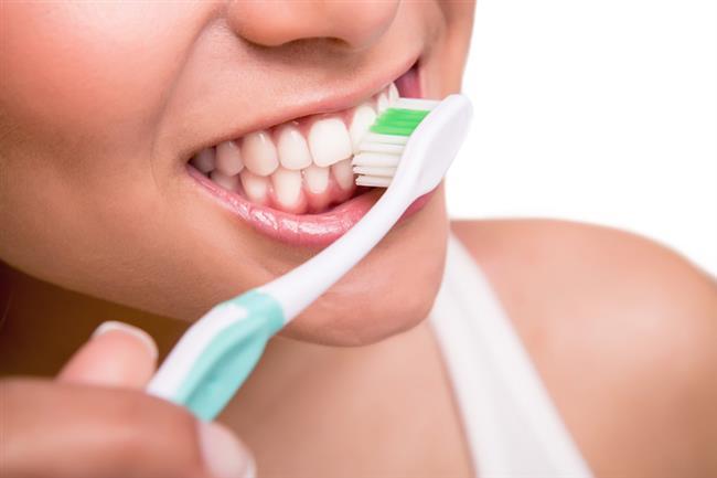 Diş Fırçalarken Kaçınılması Gereken 10 Hata - 1