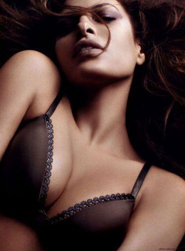 Eva Mendes Vogue'a soyundu - 12