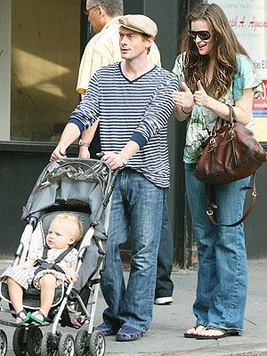 Liv Tyler eşi Royston Langdon ve oğulları Milo...