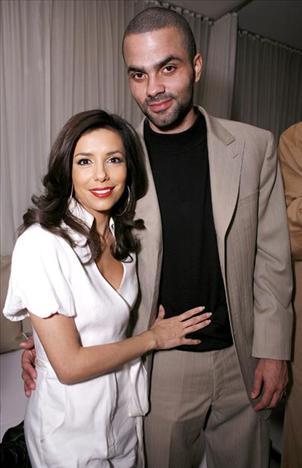 Eva Longoria & Tony Parker 33 yaşındaki Eva Longoria 25 yaşındaki sevgilisiyle mutlu.
