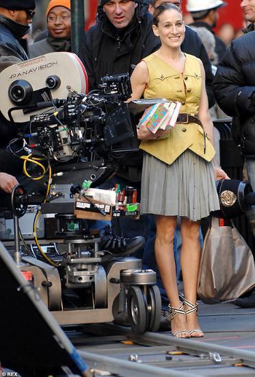 Kendisi 43 elleri 73 yaşındaSarah Jessica Parker 27 Mayıs'ta da filmin Amerika galasına katılacak.