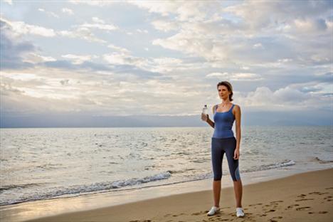 Yanlış seçilen bir koşu ya da yürüyüş ayakkabısı, teknik ve stil kullanmadan yapıian yürüyüş ve koşular antrenmanınızın verimini azaltabilir, Buradaki en önemli unsurlardan biri de hangisini severek yapacağınız. Koşmak fazla yorucu göründüğünden antipatik; yürümek de sıkça göründüğünden kolay olduğu düşüncesi çoğu insanın egzersizi ertelemek kişinin bulduğu bahanelerden birkaçı...