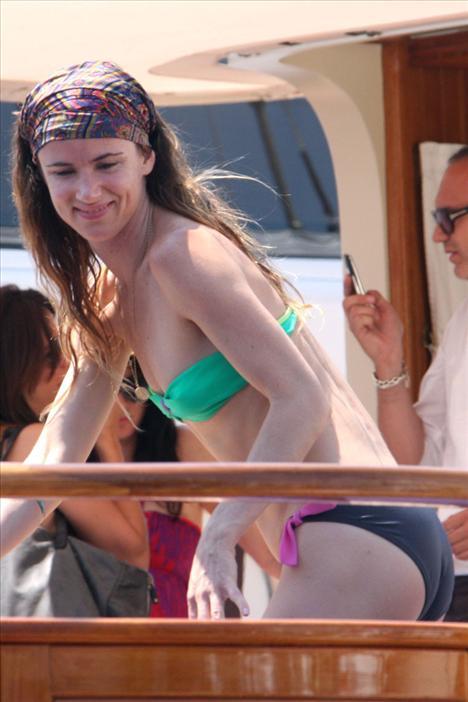 Juliette Lewis bikiniyle görüntülendi - 16