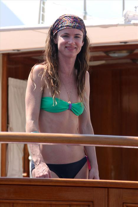 Juliette Lewis bikiniyle görüntülendi - 17