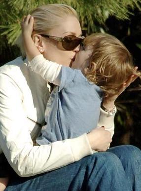 Gwen Stefani ve oğlu