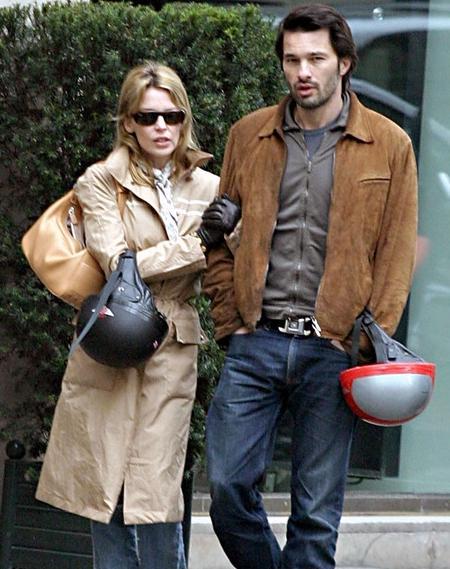 Kylie MinogueYa moda kurbanı oldular, ya da kötü bir gün geçiriyorlardı ama onların saçları hiç bu kadar kötü görünmemişti!