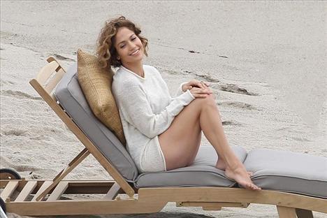 Jennifer Lopez - 42