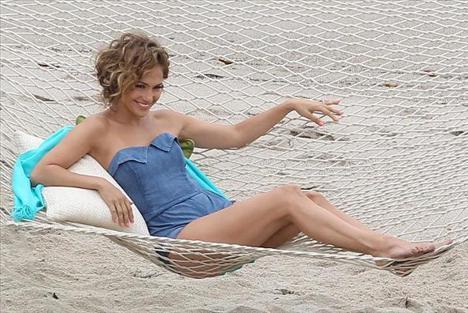 Jennifer Lopez - 54