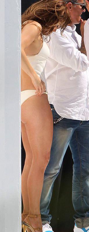 Jennifer Lopez - 39