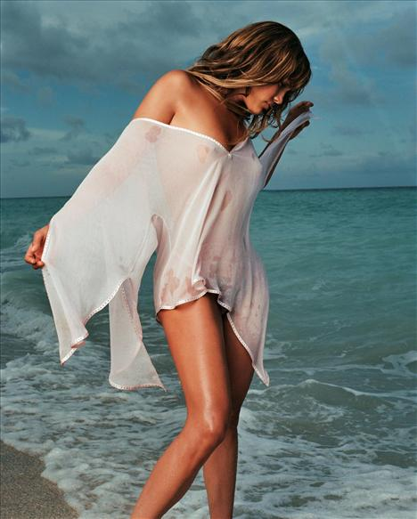 Jennifer Lopez - 85