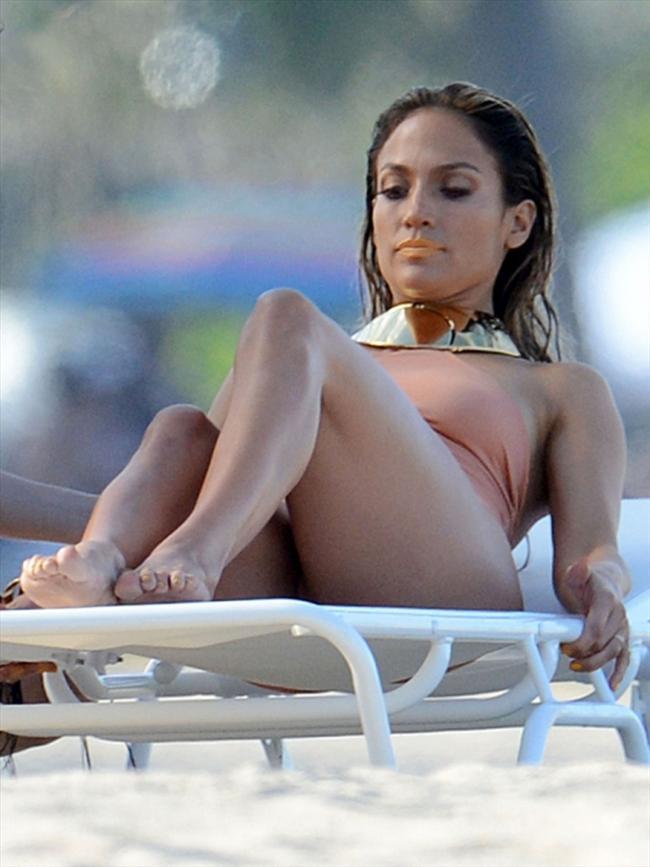 Jennifer Lopez - 23