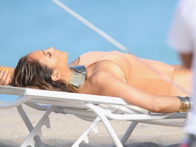 Jennifer Lopez - 30