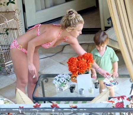Britney ve oğlu - 1