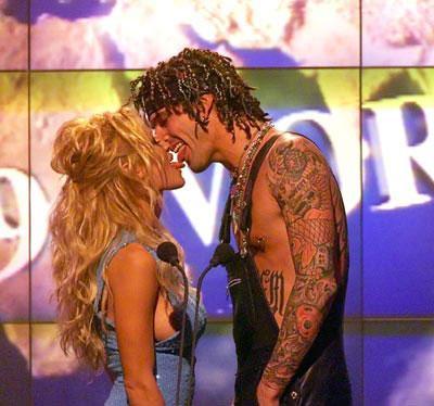 Kötü öpüşen ünlüler - 22