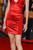 Kırmızı halıda kırmızı giymenin zerafeti - 25