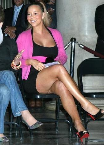 Ünlü şarkıcı Mariah Carey de albüm tanıtımlarındaki fotoğraflarını photoshop işleminden geçiriyor.
