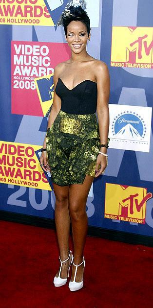 Rihanna... Rüküş!