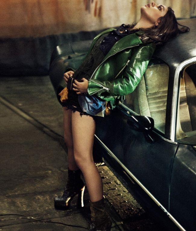 Mila Kunis - 6