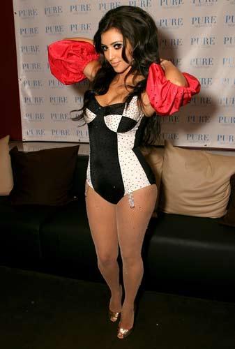 Kim Kardashian sahnede - 32