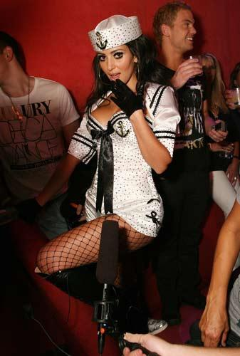 Kim Kardashian sahnede - 1