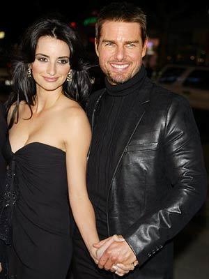 Tom Cruise ünlü aktris Penelope cruz için eşini terketti fakat bu ilişki çok uzun sürmedi.