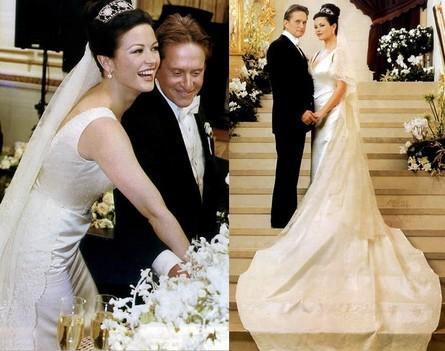 Ünlü aktör boşandıktan sonra da Catherine Zeta Jones ile dillere destan bir düğünle evlendi.