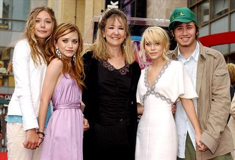 Mary Kate Olsen ve Ashley Olsen