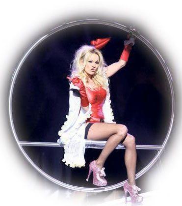 Pamela Anderson - 13