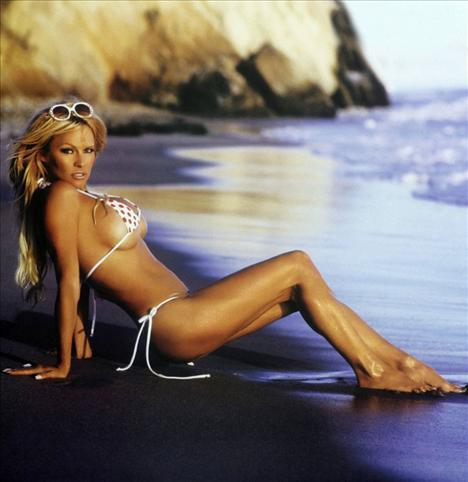 Pamela Anderson - 109