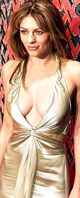 Elizabeth Hurley, 2000