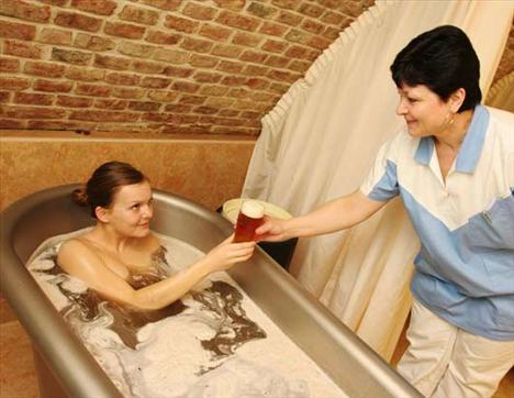 Dünyada en çok tüketilen içecek olan bira artık güzelleşmek içinde kullanılmaktadır.