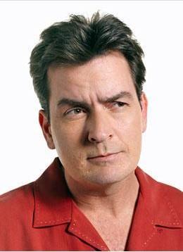 Carlos Irwin Estevez, aktör Charlie Sheen'in gerçek adı. Babası yani herkesin tanıdığı adıyla Martin Sheen'in gerçek adı da Ramon Estevez. Aileden sadece küçük kardeş Emilio Estevez Latin kökenli gerçek adını kullanıyor.