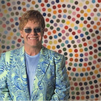 Reginald Dwight yani herkesin tanıdığı adıyla Sir Elton John.