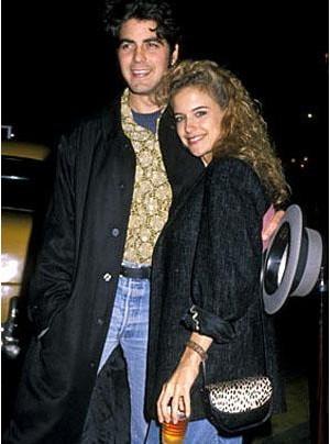 George Clooney ve John Travolta'nın şimdiki eşi Kelly Preston 1980'lerde birlikte olmuşlardı. Ancak bu ilişki de uzun sürmedi.