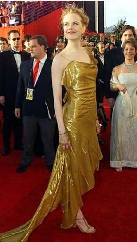 Nicole Kidman bu elbiseyle kırmızı halıda göz kamaştırmıştı.