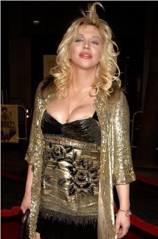 Courtney Love, fazla kilolarıyla mücadele etti..