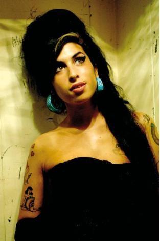 Amy Winehouse uyuşturucu bağımlısı olmadan önce böyle görünüyordu.